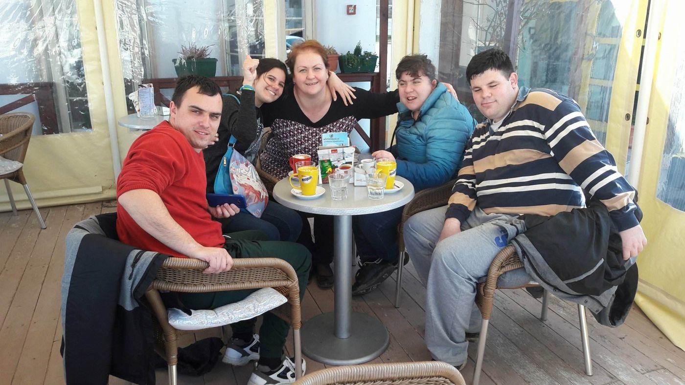 Internetsko druženje za osobe s invaliditetom
